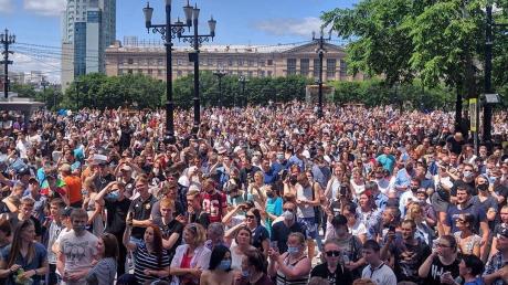 Місто повстало, в кремлі nаніка: 30 тисяч росіян вийшли в центр міста і вимагали відставки Путіна